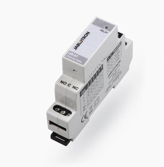 U kunt de Jablotron UR-01 Multifunctionele relais in uw gereedschapstas opbergen, als hulp bij het oplossen van vele taken.<br /> <br /> Het is voorzien van schakelcontacten met galvanische en een veiligheidsscheiding voor het schakelen van een belasting van 2...