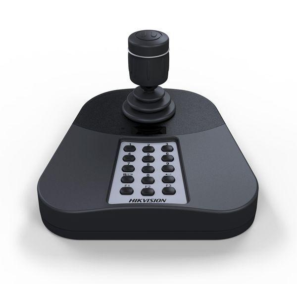 A Hikvision DS-1005KI é um teclado USB que tem sido desenvolvida de forma independente por Hikvision e que pode ser acessado diretamente pelo software cliente, a plataforma da série iVMS software. Você pode alternar entre imagem diferente com o teclado, P