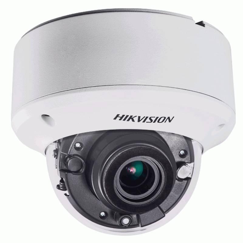 Una cámara domo al aire libre con zoom motorizado y resolución Full HD de 3 megapíxeles. El zoom motorizado es remota en el lugar y alejar la imagen. Equipado con LEDs IR inteligentes, de hasta 40 metros. Equipado con WDR para situaciones de iluminación d