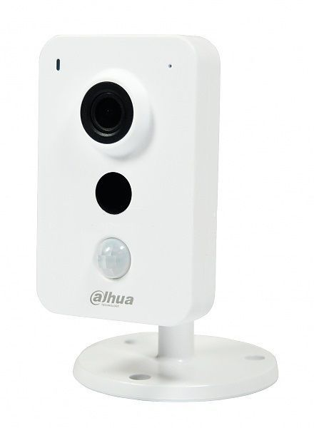 The Dahua IPC-K35 is a 3 megapixel camera with WIFI, IR LEDs up to 10 meters and a built-in PIR detector for reliable motion detection. Equipped with a 2.8 mm lens for a wide viewing angle of about 90 degrees. Built-in microphone and ...