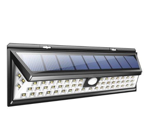 Esta luz LED Solar com 56 LEDs é absolutamente essencial se você quiser proteger melhor sua casa ou empresa. Dá muita luz e funciona em uma bateria de lítio que é automaticamente carregada pela energia solar! A lâmpada Solar funciona com base em um sensor