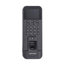 The DS-K1T804MF-1 is a card reader with built-in fingerprint reader and push buttons from the access control line of Hikvision. Access can be obtained through a code, access card or fingerprint. The module is extremely suitable to work as a time clock and