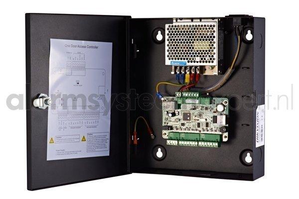 Il controllo accessi Hikvision combina tutte le discipline in un unico VMS, un unico pacchetto software! Oltre a video e intercom, questa aggiunta consente anche il controllo degli accessi. La scelta dello spazio per controllori di porte, lettori di sched