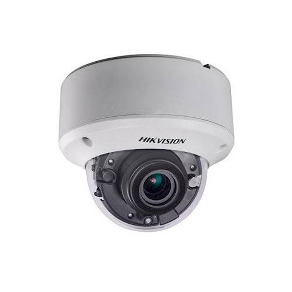 Esta câmera dome varifocal HD TVI está equipada com zoom motorizado. A lente de 2,8 mm a 12 mm oferece um ângulo de visão de 32,1 ° -103 °. A câmera é muito sensível à luz e pode fornecer até 40m de IR.
