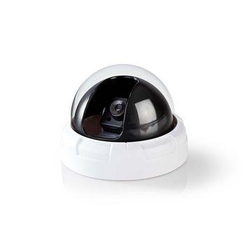 Deze Nedis® dummycamera voor binnen zorgt voor inbraakpreventie tegen een fractie van de kosten van een echte camera. Het professionele design heeft een ingebouwde, knipperende LED. Hierdoor is het bijna onmogelijk om de dummycamera van echt te onderschei