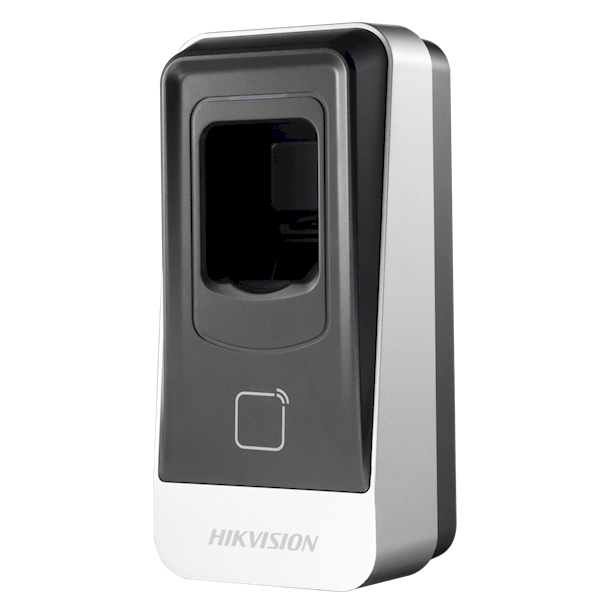 El DS-K1201MF es un lector de tarjetas de huellas dactilares de la línea de control de acceso de Hikvision. El lector de tarjetas puede leer tarjetas MiFare y conectarse a los controladores de puertas Basic + y Pro Complete de Hikvision.