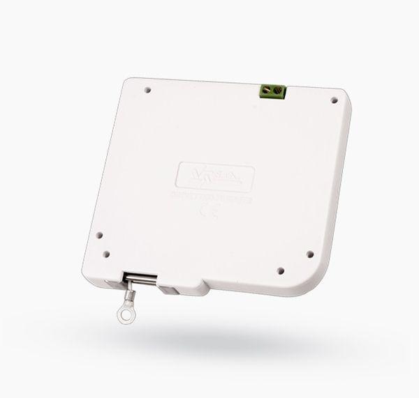 La scatola di installazione multifunzione Jablotron JA-192PL-A per uso esterno. Grado di protezione: IP65 Dimensioni interne: 62 x 38 x 20 mm Dimensioni esterne: 70 x 62 x 35 mm