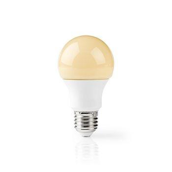 Deze A60-vormige Nedis® LED-lamp met E27-fitting biedt 396 lumen tegen een zeer laag energieverbruik van 3,5 W. Gebruik de lamp om een traditionele gloeilamp van 35 W te vervangen en bespaar meteen op je energiekosten. <br /> De LED-lamp verspreidt een warm wit