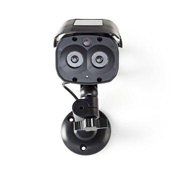 Deze dummycamera voor buiten zorgt voor inbraakpreventie tegen een fractie van de kosten van een echte camera. Het professionele design heeft een ingebouwde, knipperende LED. Hierdoor is het bijna onmogelijk om de dummycamera van echt te onderscheiden. De