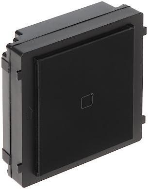 Dankzij de MiFare-lezer kan toegang worden verleend via een MiFare-kaart of tag. De module wordt gevoed via de cameramodule, die zelf wordt gevoed via PoE.