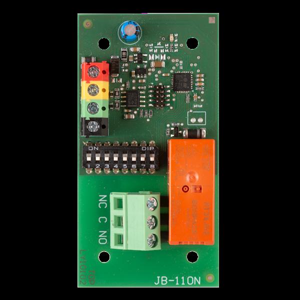 Das Produkt ist ein Systemgerät für Jablotron Midway Pro und Essex Pro. Es bietet einen Schaltkontakt für das Ausgangsleistungsrelais. Zum Beispiel kann es zur Steuerung von Lichtern, Lüftern usw. verwendet werden. Das Relais kommuniziert über den Bus und