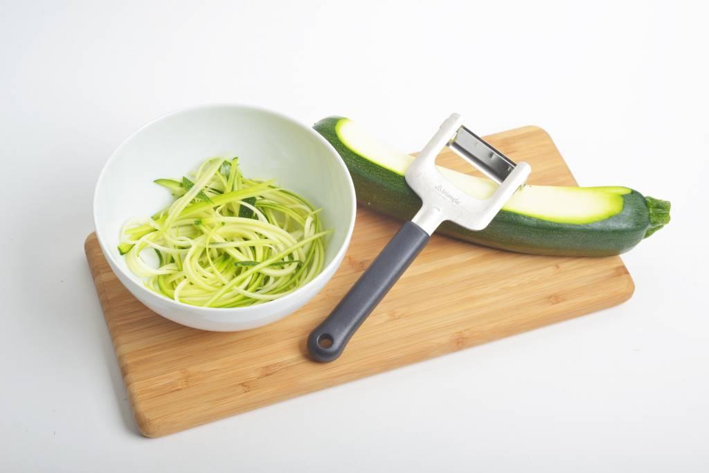 De Messenwinkel kookt: courgettepasta met de juliennesnijder