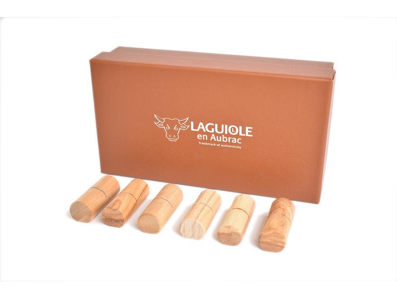 Laguiole en Aubrac steuntjes in olijfhout voor steakmessen