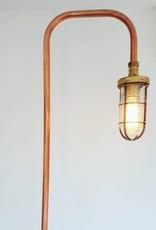 Industriele koperen vloerlamp met oude scheepslamp