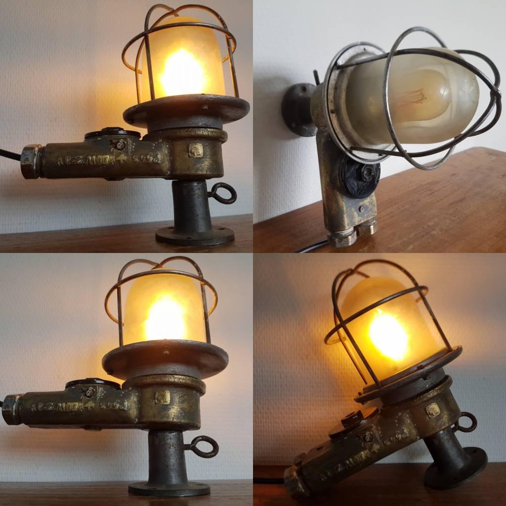 Industriele bronzen wandlamp