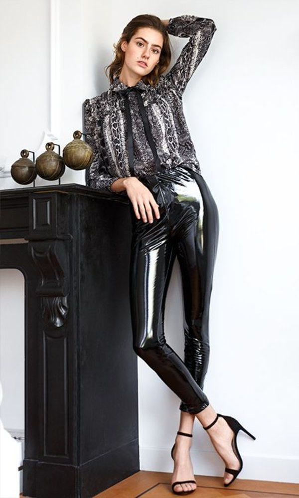 LINA SHINY LEGGING