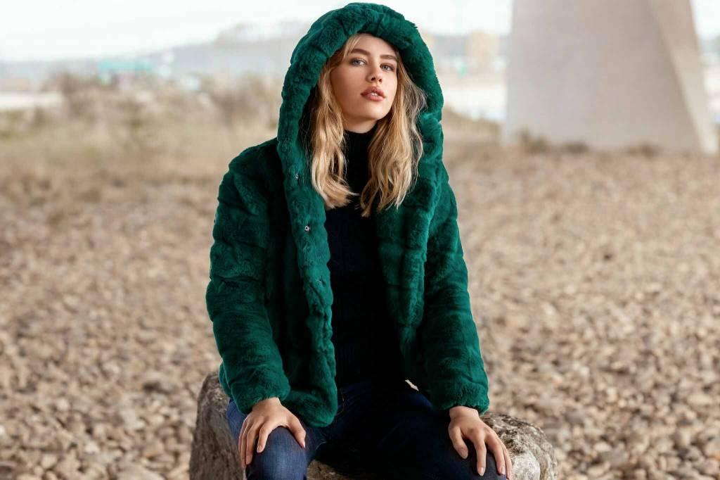 Faux fur coats: cozy & stijlvol!