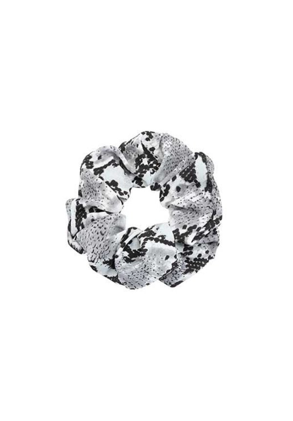 GREY SNAKE SCRUNCHIE