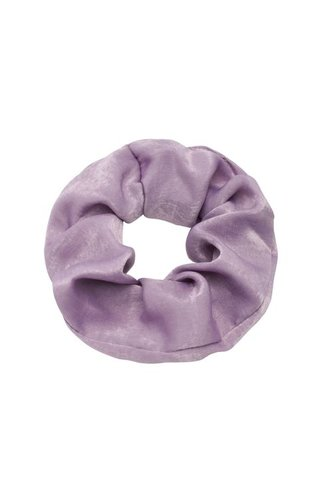 SATIN LILAC SCRUNCHIE