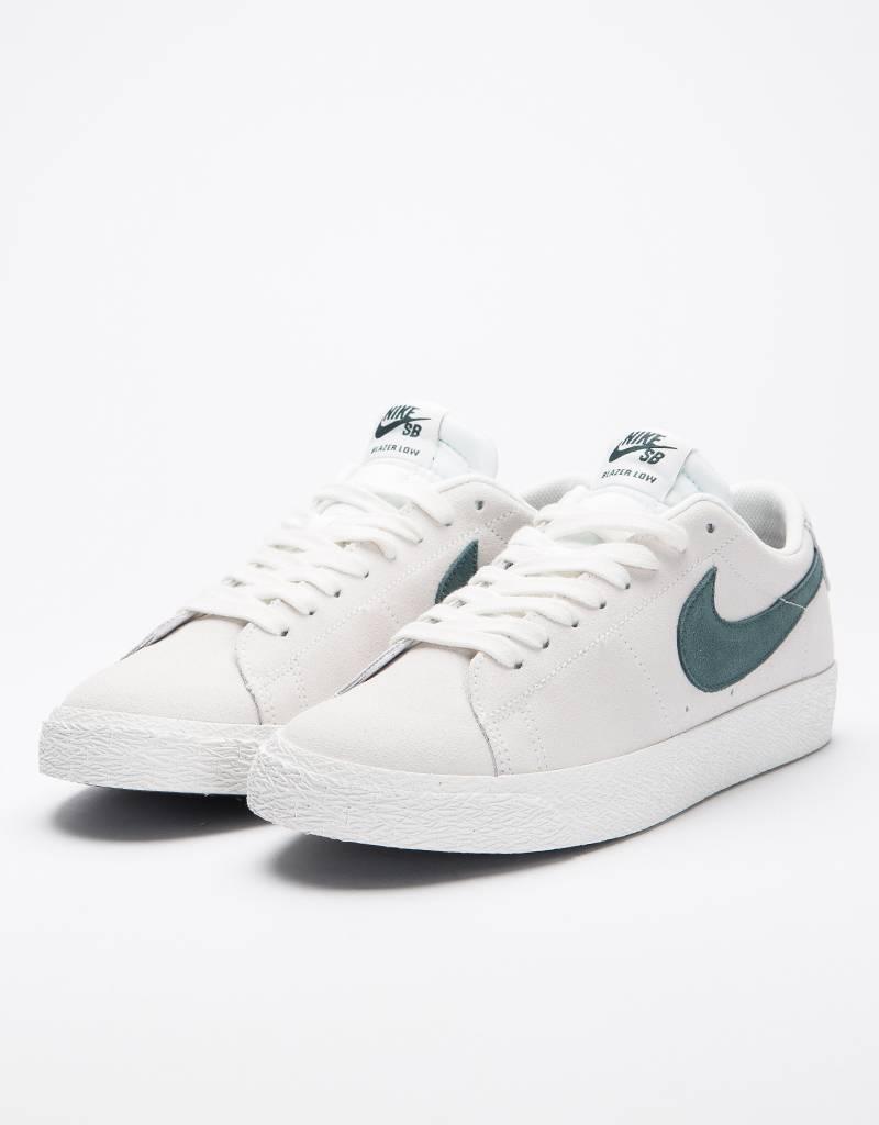 Nike SB Zoom Blazer Low Summit White Deep Jungle