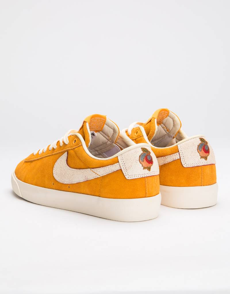 Nike SB Blazer Low QS Circuit Orange/Natural