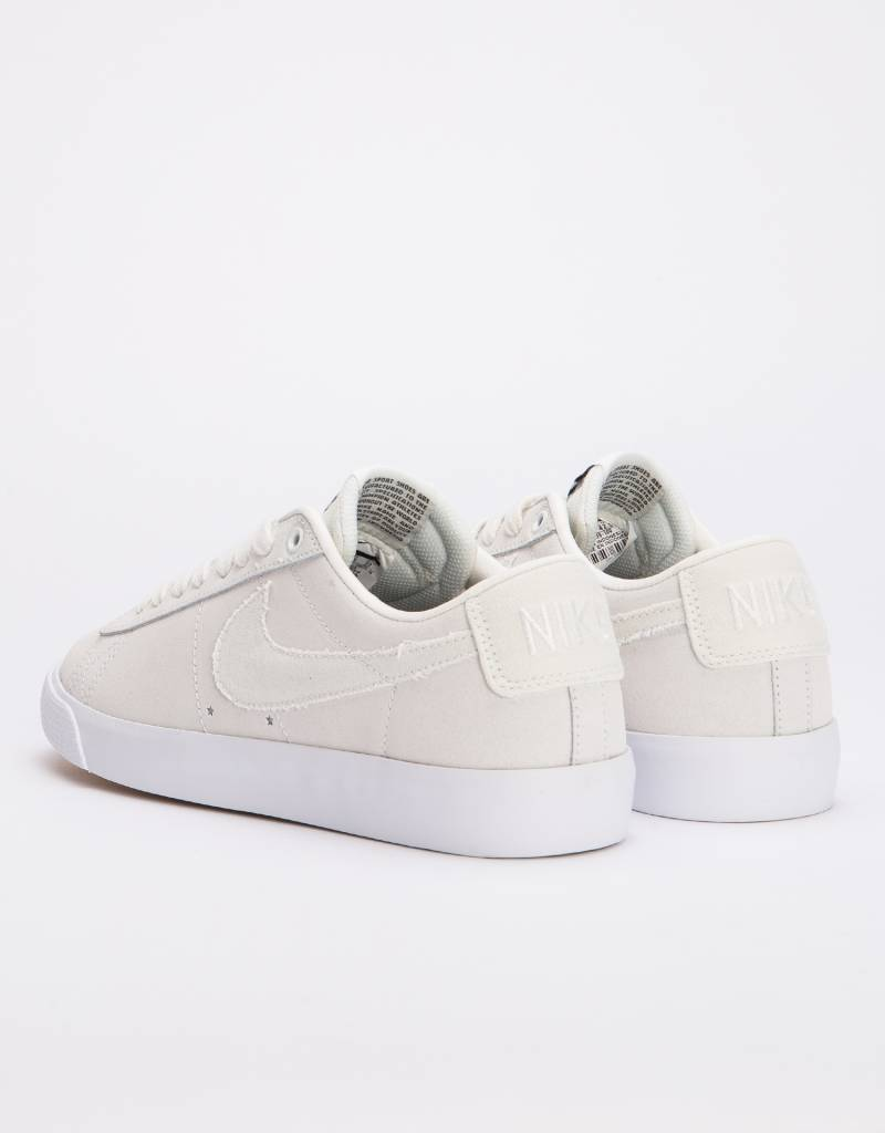 Nike SB Zoom Blazer Low Gt Summit white/summit white-obsidian