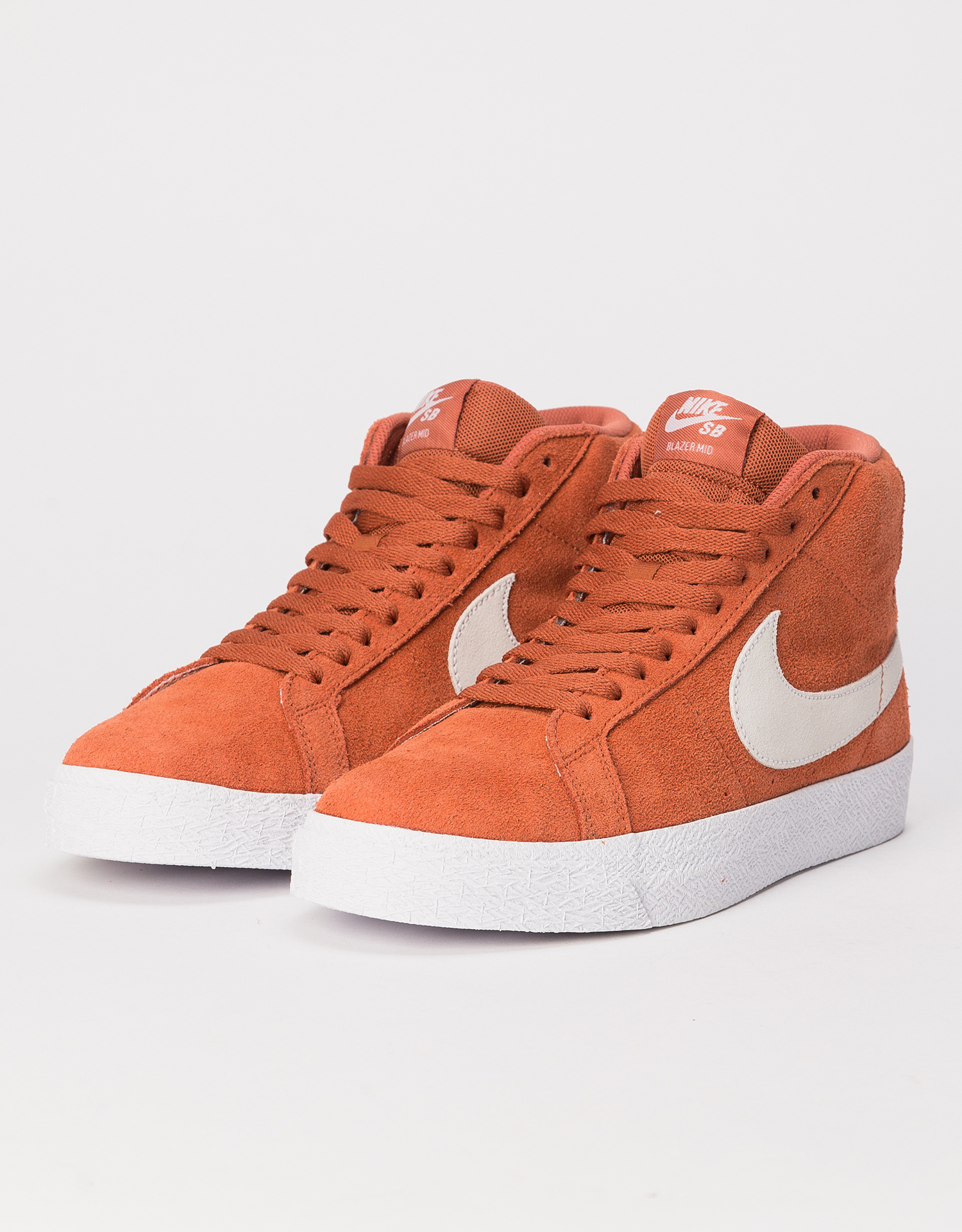 Nike SB Blazer Mid dusty peach/white