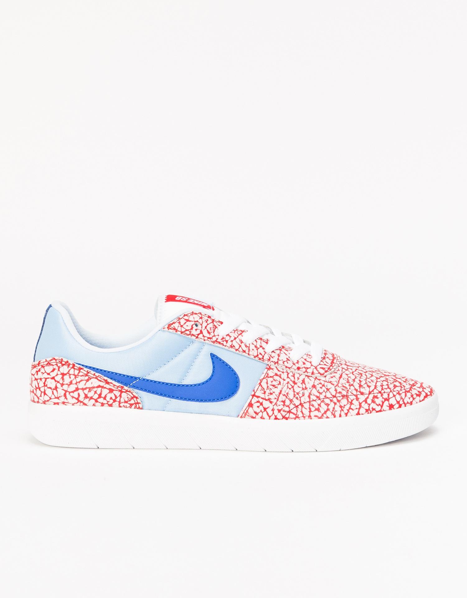detailed look 4dbe6 6489e ... Nike SB Team Classic white game royal-psychic blue ...