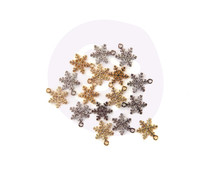 Prima Marketing Christmas In The Country Snowflake Charms (995409)