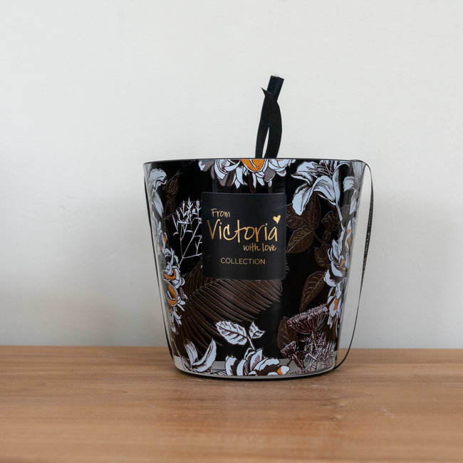 From Victoria with love flower black medium