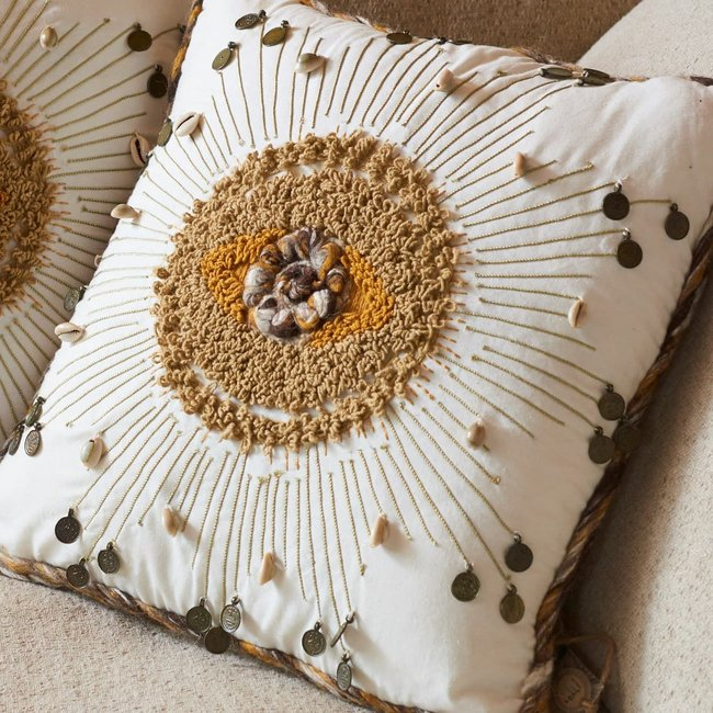 cushion embroidered shells 45x45