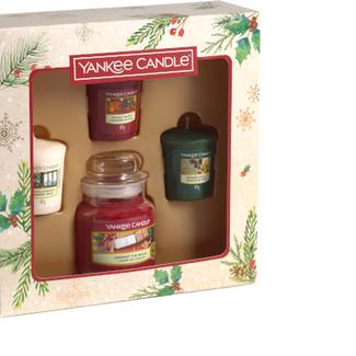 Yankee Candle Magical Christmas Morning 1 small jar + 3 votives