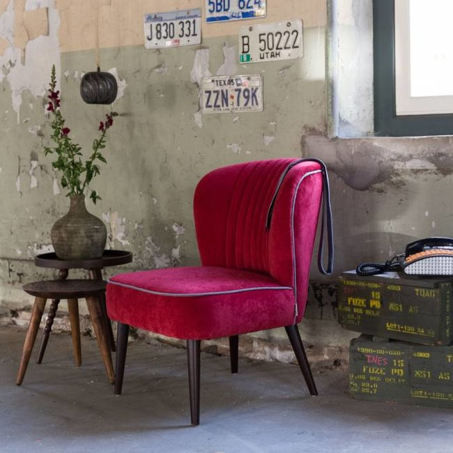 lounge chair smoked red