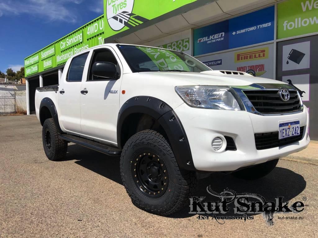 Toyota élargisseurs d'ailes pour Toyota HiLux 2012-2015 standard ( face-lift) - 50mm large