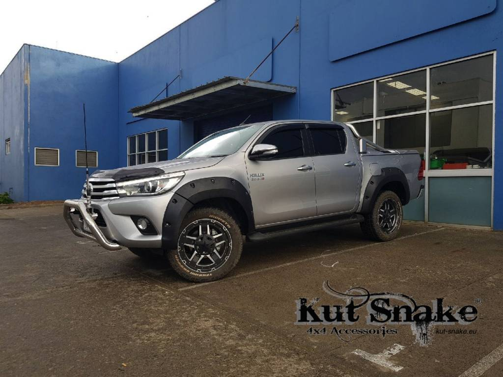 Toyota Kotflügelverbreiterung Toyota HiLux (Rocco) - 2019+  75mm breit,  passt sowohl den breiten als auch den schmalen körper