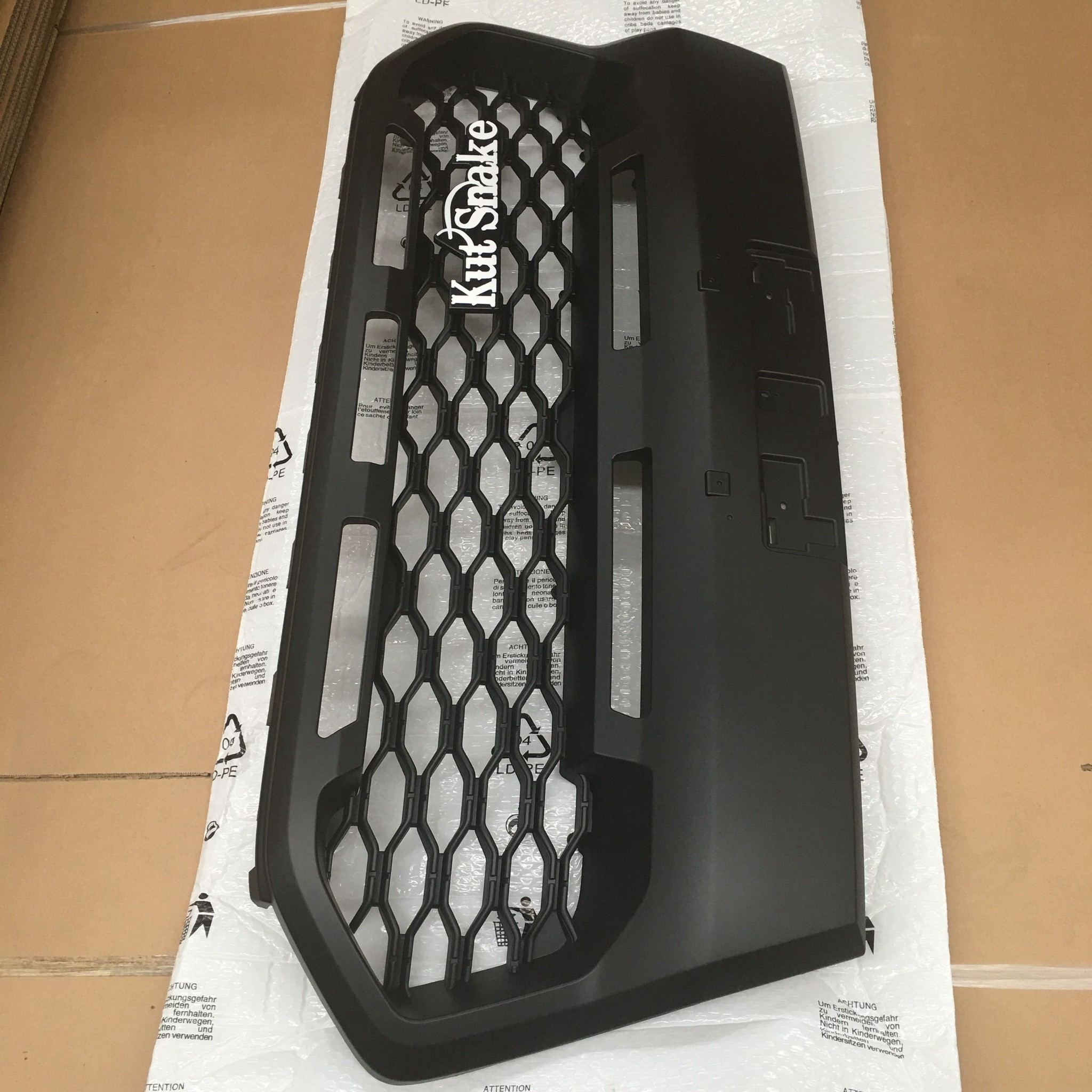 """Ford """"Raptor"""" look-a-like grill Ford Ranger series 3 Wildtrak"""
