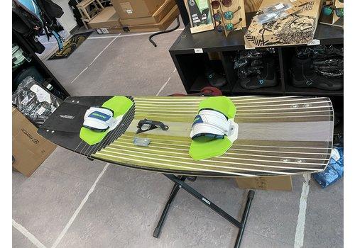 Slingshot Slingshot REFRACTION board 139cm + pads - Gebruikt