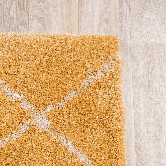 FRAAI Hoogpolig vloerkleed - Grand Lines Geel/Creme