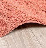 FRAAI Rond hoogpolig vloerkleed - Lofty Perzik Roze