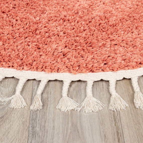 FRAAI Rond hoogpolig vloerkleed - Lofty Fringe Perzik Roze