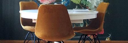 Grijze velvet stoelen