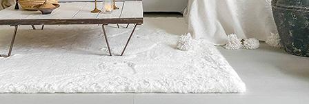Hoogpolig vloerkleed wit