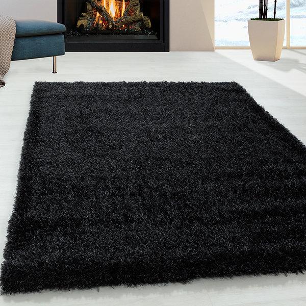 Hoogpolig vloerkleed - Blushy Zwart