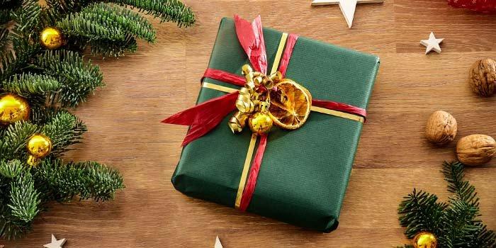 1x  Wrap I LOCK IT as a Christmas present