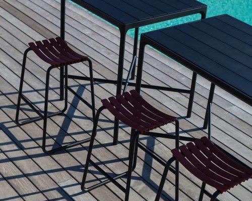 Four bartafel | 90 x 90 cm | Zwart aluminium