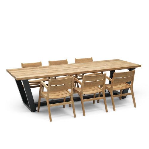 Wolfwood George teak tuintafel met James stapelstoelen