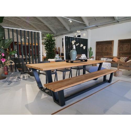 Wolfwood Tuinset | George tuintafel met George tuinbank en Trill stapelstoelen