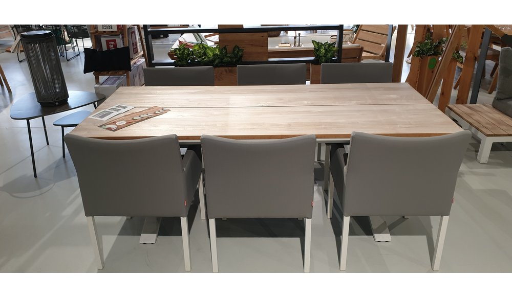 Stockholm tafel 220 wit met 6 Antas dining chairs