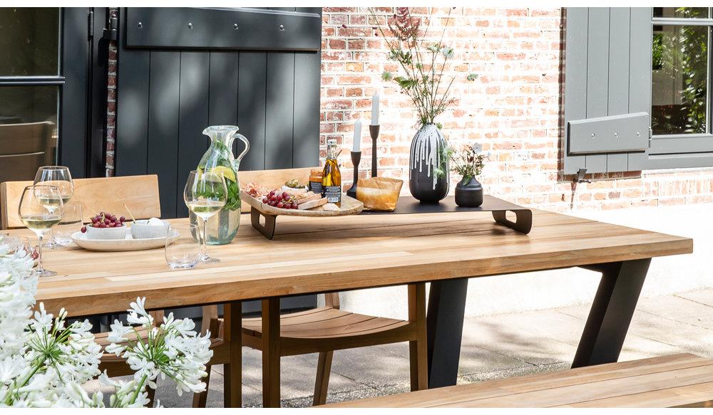 George tuintafel met George tuinbank en St Tropez dining stoelen