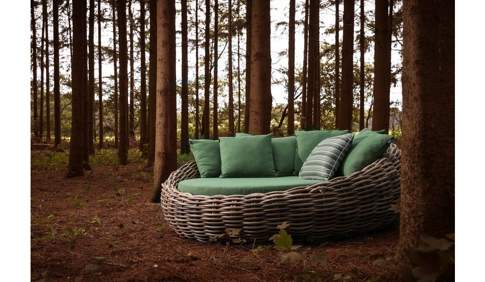 Cocoon daybed